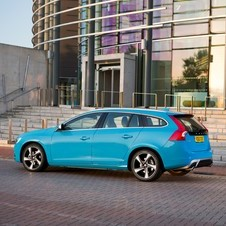 Volvo V60 D5 R-Design Momentum AWD Geartronic