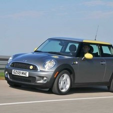 MINI trial Electric Vehicles in the UK