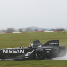 Franchitti had the first stint on a very wet track