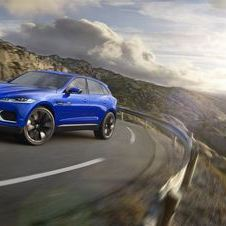 As a concept, Jaguar did not go into detail about the drive technology on the C-X17
