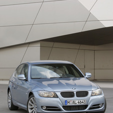 BMW 335i Edition Lifestyle xDrive Automatic