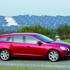 Volvo V60 T4 R Design Powershift