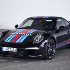 The new limited edition Porsche is equipped with the same 3.8-liters six-cylinder boxer engine of the 911 Carrera S
