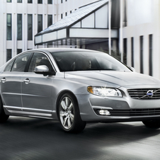 The S80 gets an Executive interior package option