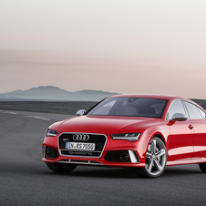 In terms of design, the RS7 underwent minor changes in the front