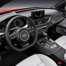 Inside Audi made ​​changes in the instrument panel, the paddles and the air outlet controls