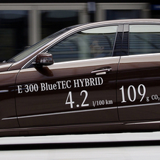 Mercedes E300 Bluetec Hybrid Offer 109g/km Emissions from a Diesel Hybrid