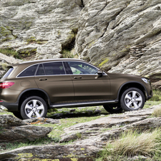 The new GLC will be initially offered with a choice of two diesel engines, the GLC 220d and GLC 250d