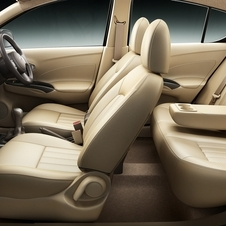 Like most of Renault's India lineup, the car has separate front and rear air conditioning systems