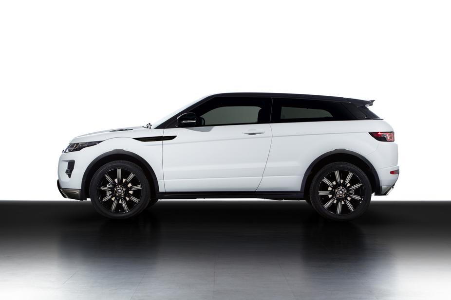 land rover bringt black design pack f r evoque. Black Bedroom Furniture Sets. Home Design Ideas