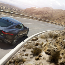 The Quickshift  six-speed manual transmission will be available in the 340 and 380hp versions of the F-Type V6 Supercharged