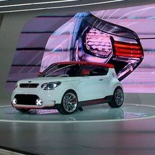 Kia Shows Its Idea of a Hot Hatch with Track'ster Concept at Chicago