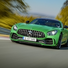 Compared to the GT S AMG was able to increase the output up to 75hp and the torque by 50Nm to a total of 700Nm