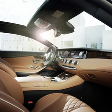 The luxurious interior is one of the essencial features of the whole S-Class range