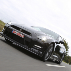 2013 Nissan GT-R Gets Power Boost, Better Suspension and Optional Ceramic Brakes
