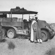 The 1925 Type MH six-wheeler attempted to cross the desert