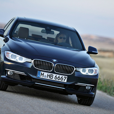BMW 328i AT Luxury