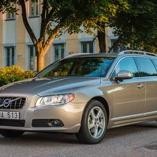 Volvo V70 D2 Kinetic Powershift