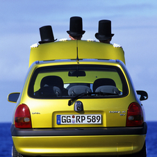 From 1997, Europe's first three-cylinder, four-valve engine can be found under the hood of the Corsa.
