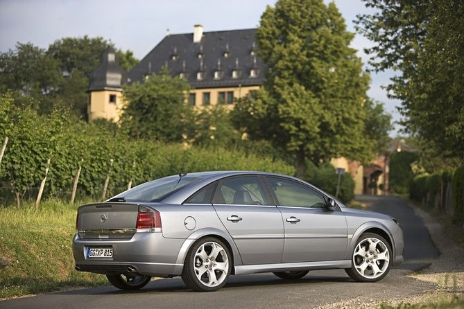 Opel Vectra GTS Automatic
