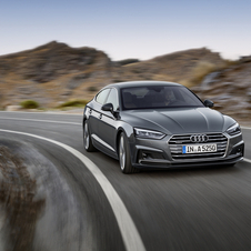 The new A5 Sportback gets a new three-dimensionally modeled Singleframe grille significantly flatter and wider.