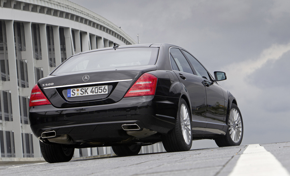Mercedes-Benz S 500 BlueEFFICIENCY Automatic L :: 1 Foto und 62 ...