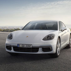 The Panamera 4 E-Hybrid has a combined output of 462hp generated from two engines, one petrol and one electric