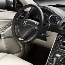 Refreshed Volvo XC90 Gets New Interior and Car Control Via Mobile Phone App