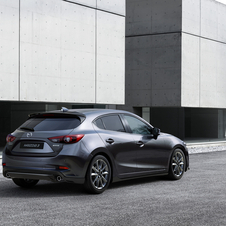 The facelifted version of the 3 is equipped with Mazda's GVC which aims to improve stability and comfort over long distances