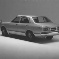 Nissan Bluebird Sedan 1600GL-L