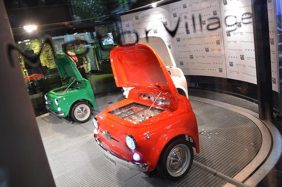 Auto Kühlschrank Selber Bauen : Fiat und smeg bauen smeg 500 kühlschrank :: nachrichten :: de