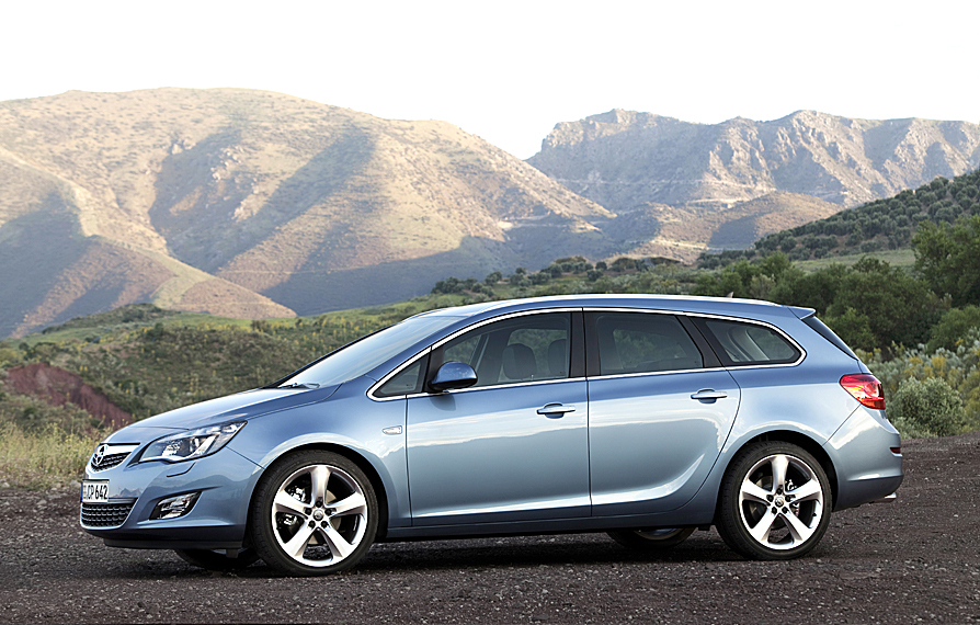 opel astra sports tourer 1.6 turbo cosmo active select :: 3 fotos
