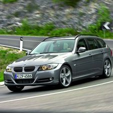 BMW 318i Touring Sport Plus