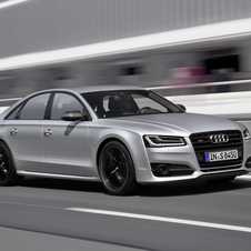 The new S8 plus has an output of 605hp and can reach a top speed of 305km/h