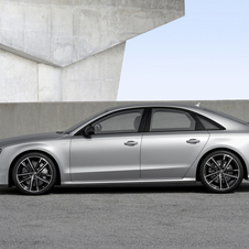 Compared to the S8, the V8 biturbo of the S8 plus has more 85hp