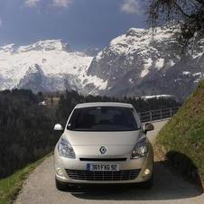 Renault Grand Scenic 1.6 VVT 110 Dynamique TomTom
