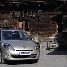 Renault Grand Scenic 1.9 dCi 130 Dynamique TomTom