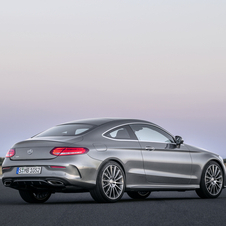 The rear design is inspired on the S-Class Coupé
