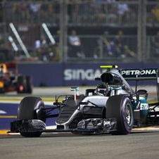 With a third consecutive win Rosberg recovered the lead of the World Championship standings