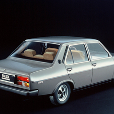 Fiat 131 Supermirafiori 1300 4-door saloon