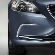 Volvo Officially Unveils V40 with Specs