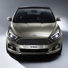 The front of the new S-Max gets the new image of the Ford family, which debuted with the new Mondeo, based on the 2011 coupe concept Evos