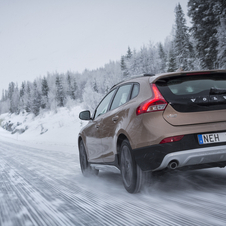 Volvo V40 D4 Momentum CC Cross Country