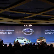 Carlos Ghosn show the Go and Go+ together in Indonesia