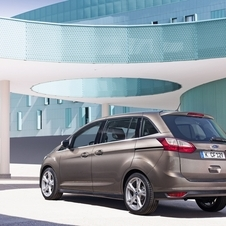 The design changes made ​​in the new C-Max were created to give to the model a more modern look.
