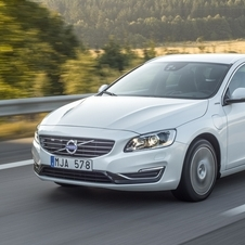 Volvo V60 D6 AWD Summum Plug-in Hybrid