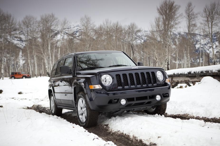jeep patriot 4x4 2.2 crd limited :: 5 fotos und 4 technische daten