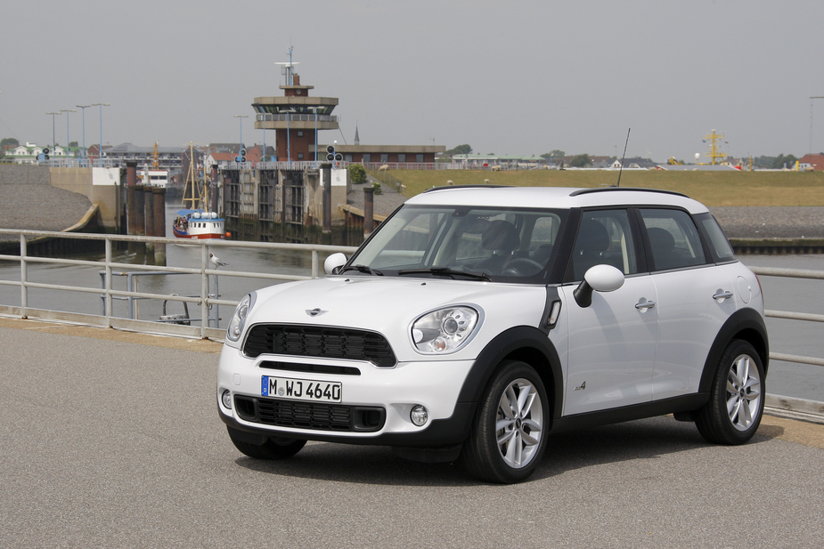 Mini Bmw Cooper D Countryman All4 2 Fotos Und 61 Technische