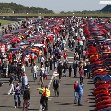 The record was first set in 2007 with 385 cars gathered at Silverstone.