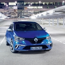 Renault felt the need to bring the Megane upmarket in order to compete directly with models such as the Volkswagen Golf